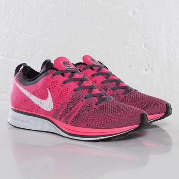 d9171b86b8c7d ... official store nike flyknit trainer pink flash running shoes 04d5c f1790